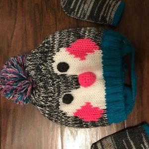 Other - Penguin 🐧 Hat and mittens set! 6 mos to 18 mos.